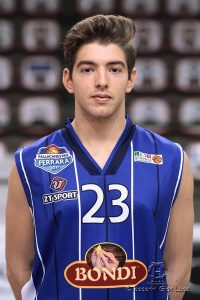 Cristiano Ferrara con la maglia della Bondi