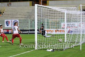 Il gol di Nigro (foto Giuseppe Carucci)