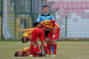 I giocatori del Lecce in un momento di pausa