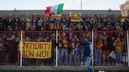 Mister Raffaele acclamato dai tifosi