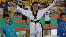 Simone Calabrese sul podio
