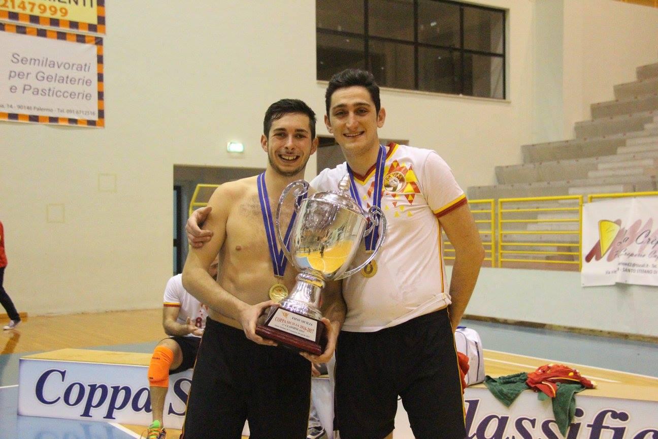 Germanà e Attinà mostrano la Coppa Sicilia