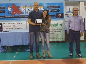 il dirgente Zuccaro (Mg) premia Laura Mirabile