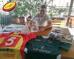 Antonio Brigandi pone la firma sul contratto