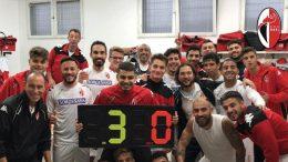Il Bari supera il Locri ed di nuovo a +3 stavolta sulla Nocerina I galletti tornano alla vittoria dopo due pari