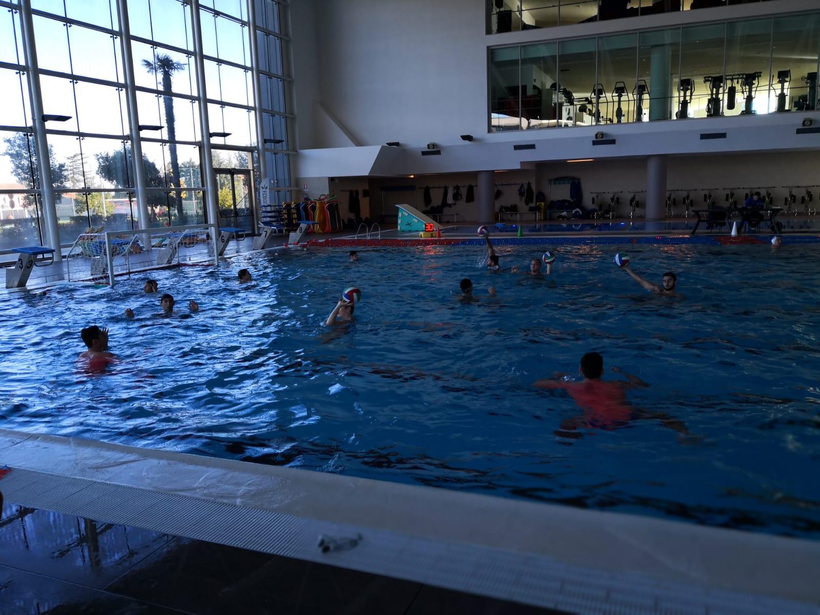 Iniziata tra mille difficolt la stagione dell ossidiana - Torre del grifo piscina ...