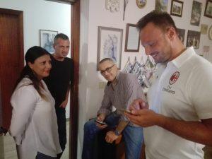 L'istruttore della scuola calcio Alessandro Giacobbe è anche assessore allo sport del comune tirrenico
