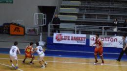 Una fase di Fortitudo-Basket School