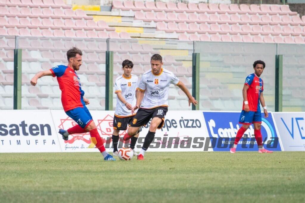 """Fc Messina decimato con il Castrovillari. Costantino: """"Un avversario in palla"""""""