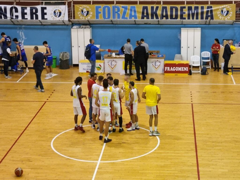 La Nuova Pallacanestro Messina dilaga nell'ultimo quarto con la Dierre (95-64)